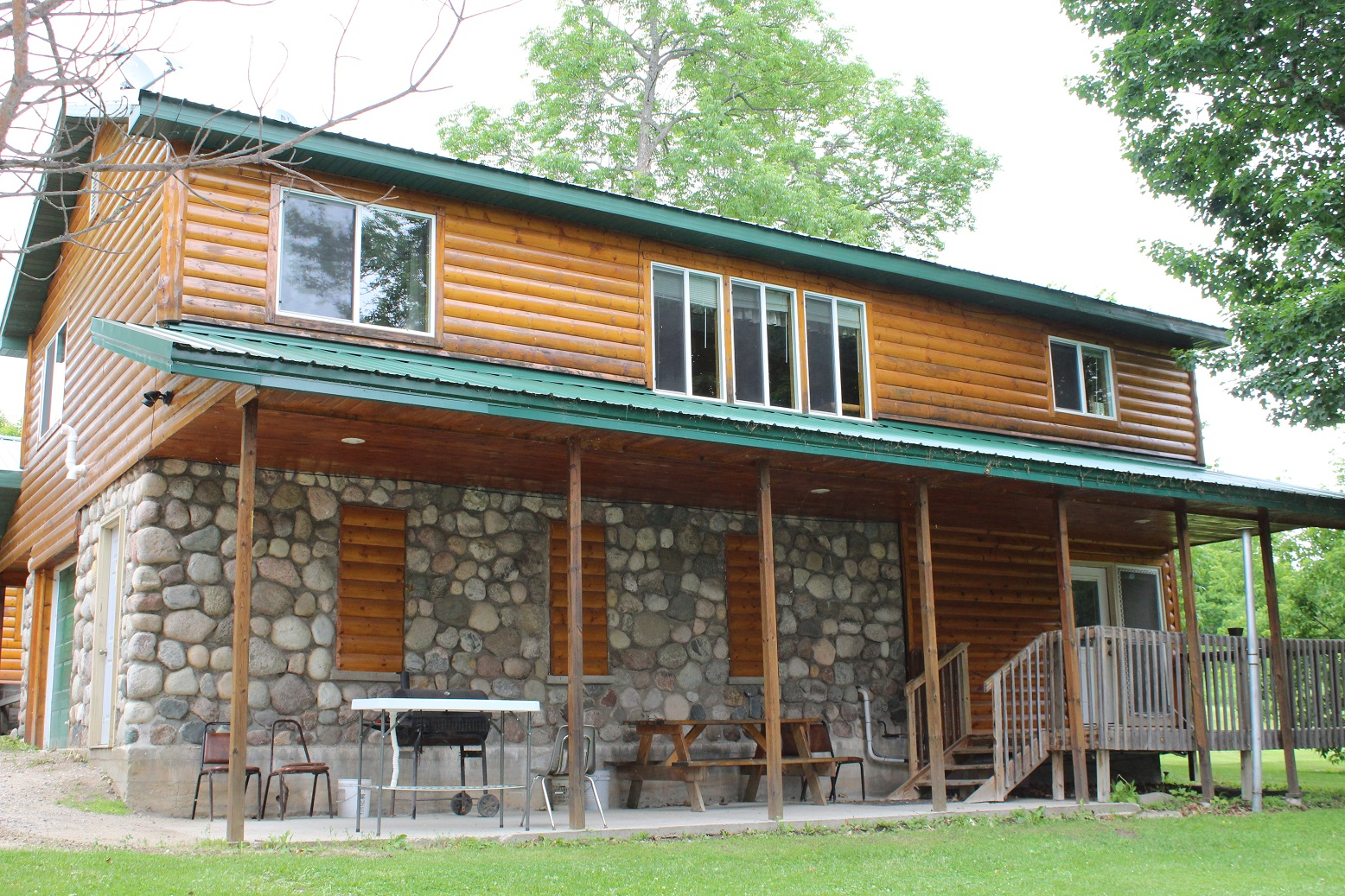 Cabin 10 Ext 2 (1)
